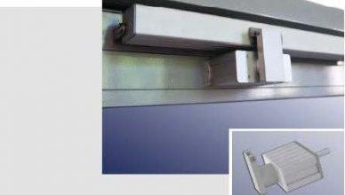 mechanické zamykanie obvodového kovania v súčinnosti s elektrickým otváračom